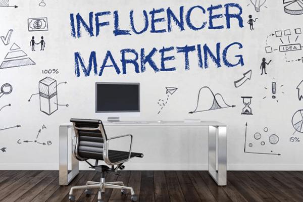 آموزش اینفلوئنسر مارکتینگ (influencer marketing)